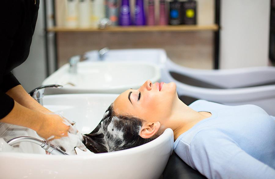 Värjättyjen hiusten shampoot